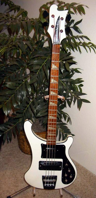 Rickenbacker 4002 - GAS na certa! 4003bt%20032