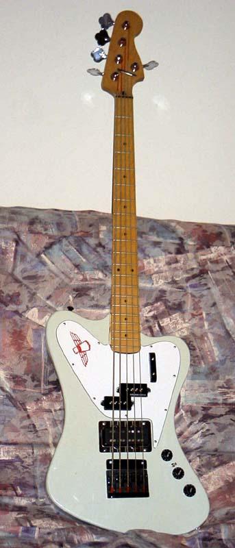 5 string Fender-Bird Bass